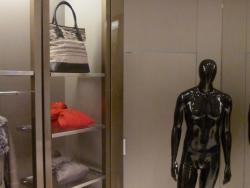 Заказ на окраску изделий декора и торгового оборудования в брендовый цвет Armani магазина Armani открывшегося в г. Самара